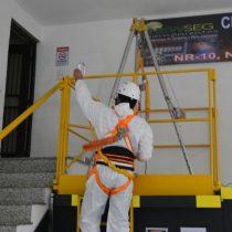 Treinamento de Capacitação e Supervisão em Espaços Confinado NR 33 12